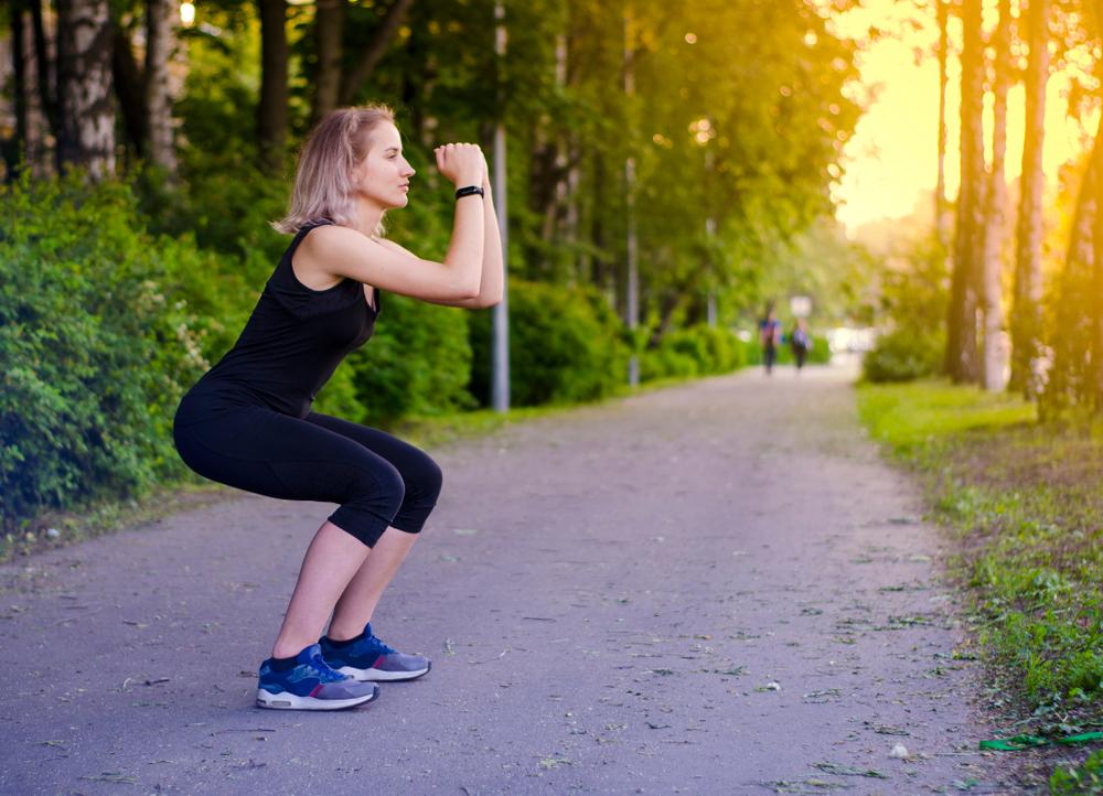 Air squat avantages et conseils pour bien réaliser cet exercice