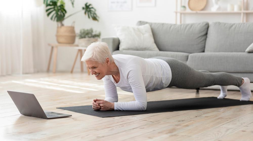 exercices fitness femme après 50 ans